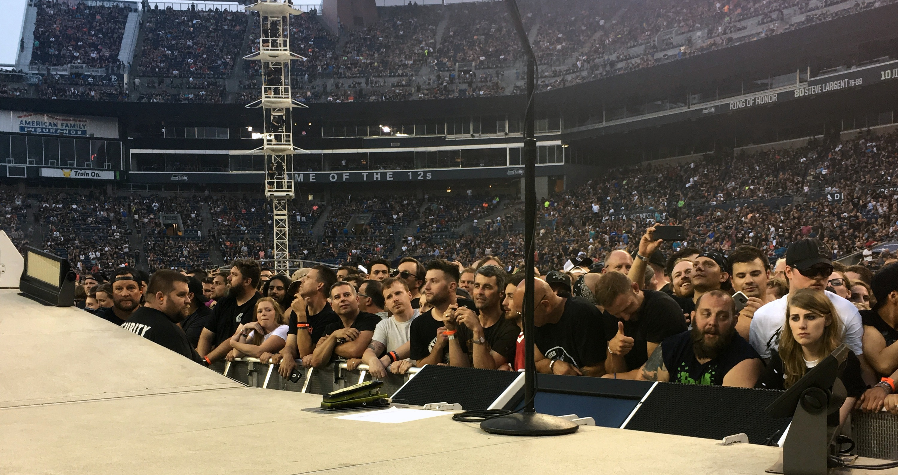 how to get into metallica snake pit